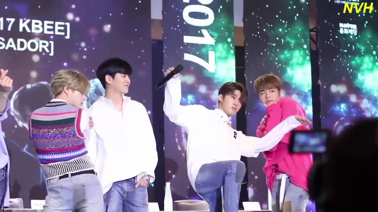 Video Nhóm nhạc Hàn iKon đội nón lá và ôm fan Việt trong buổi ký tặng