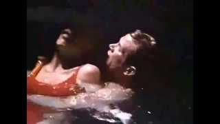 BAYWATCH S06E06  Cody saves a trapped submerged Neely (CPR_UNCONSCIOUS_TRAPPED)