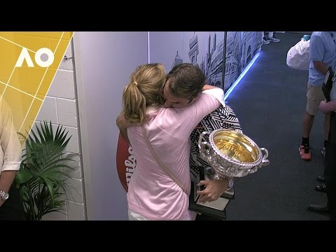 The moment Roger Federer and Wife Mirka hugged after Autrailian open win(video)
