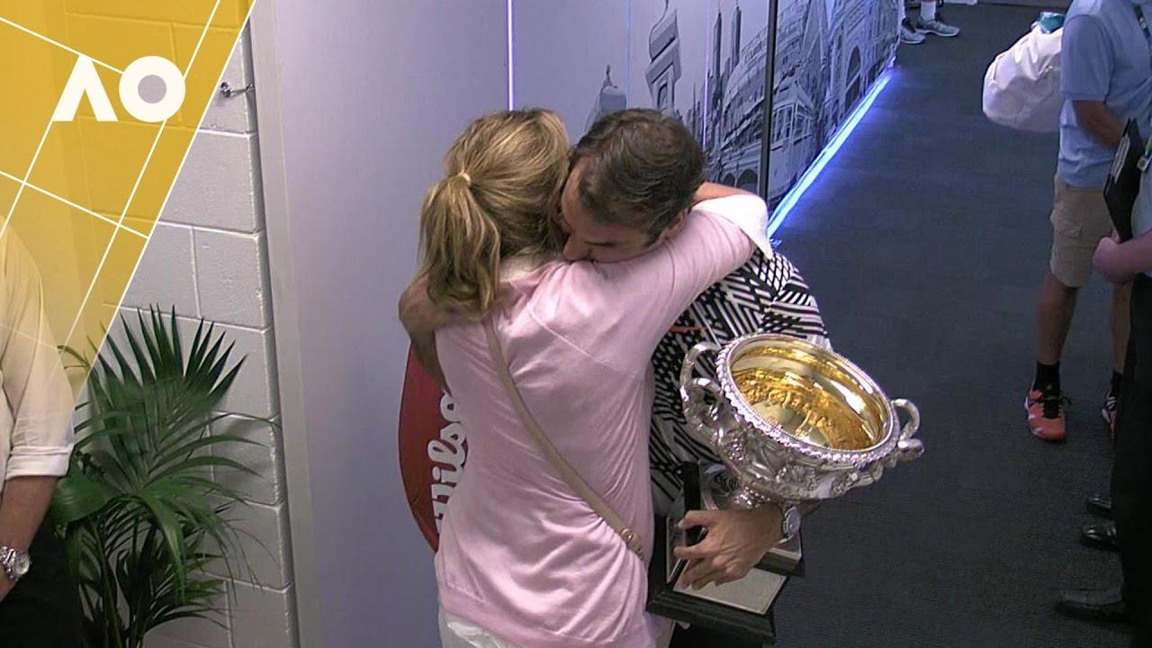 Federer celebrates with Mirka | Australian Open 2017 - YouTube