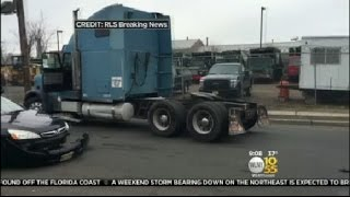 Police Chase Stolen Tractor-Trailer