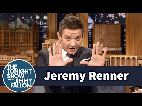 Jeremy Renner's Arrival Director's Accent Kept Him Laughing on Set fragman