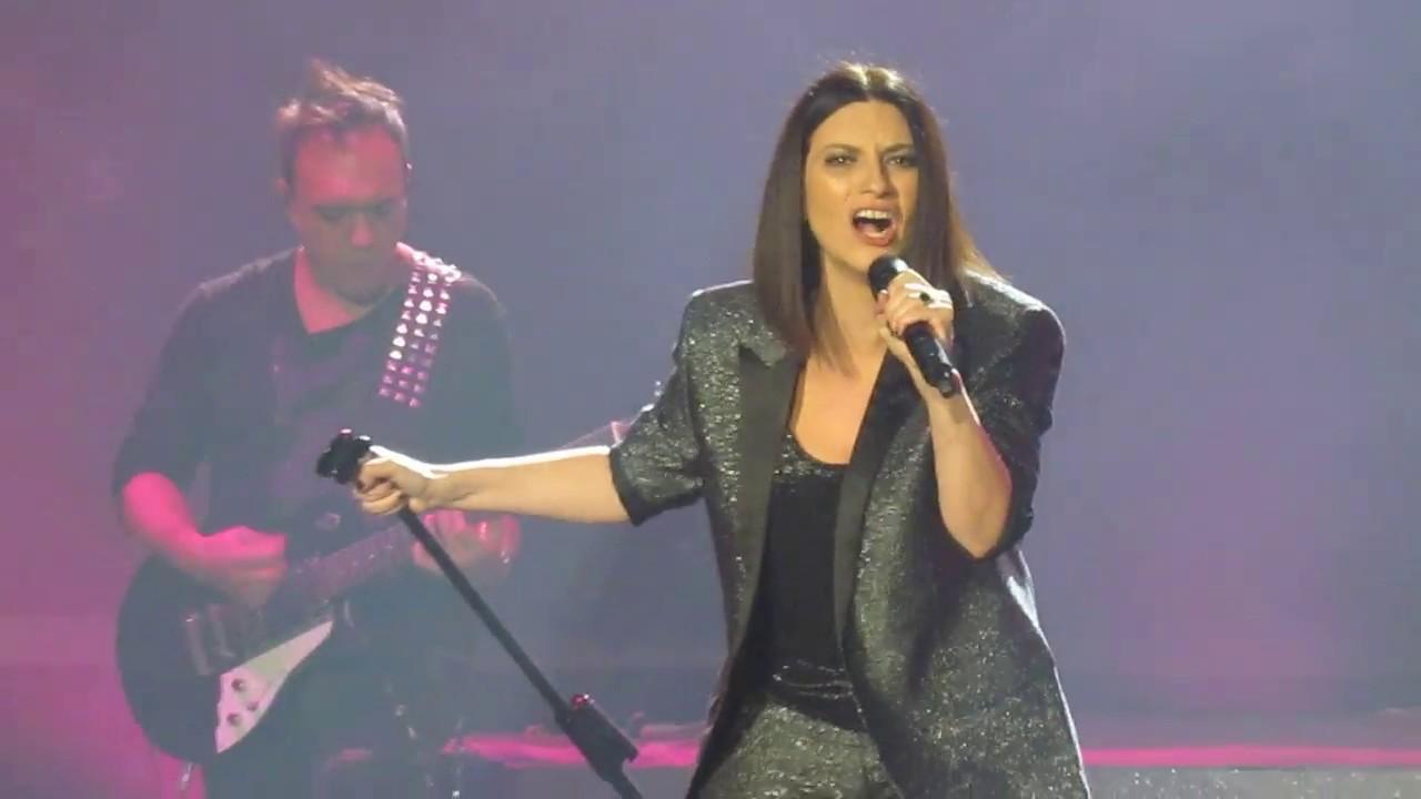 Frase A Meta Live Laura Pausini World Tour 2018 Youtube