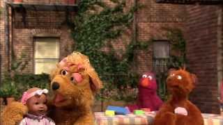 BABY BEAR'S BABY DOLL: SESAME STREET/PBS