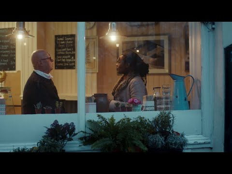 Lloyds Bank - #GetTheInsideOut Ad 2