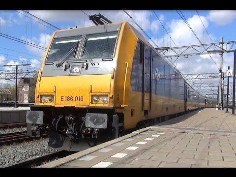 E 186 016 met Intercity Direct komt aan op station Amsterdam Centraal