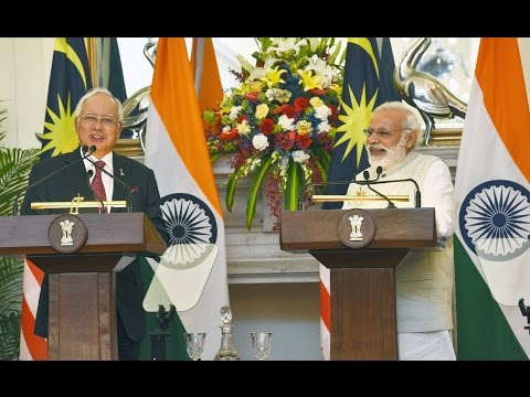 PM Modi at Exchange of Agreements with PM of Malaysia, Dato'