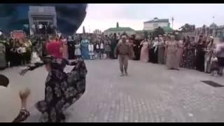 Ловзар 2015 чеченец красиво танцует