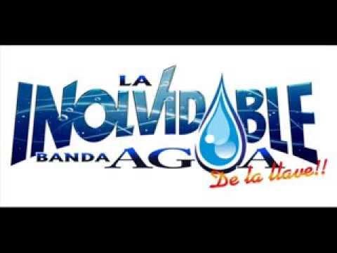 APOCO TAMBIEN-BANDA INOLVIDABLE AGUA DE LA LLAVE Letra