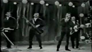 "Frankie Valli and the 4 Seasons ""Medley"" 1966"