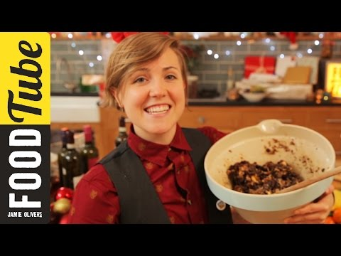 My Drunk Kitchen's Christmas Cake Chaos
