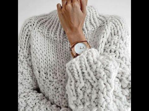 Женский свитер крупной вязкой спицами
