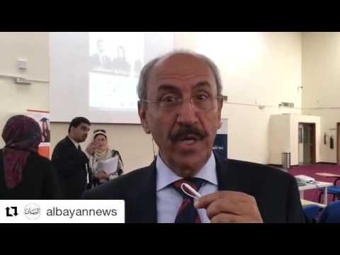 د. محمد سعد عميرة، نائب رئيس الكلية، يتحدث إلى جريدة البيان خلال معرض التوظيف 2016