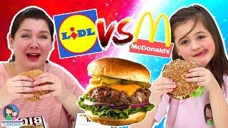 MCDONALDS vs. LIDL BURGER 🍔  Der große Vergleich - Geschichten und Spielzeug