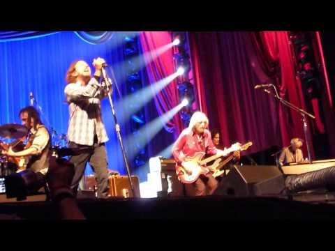 Tom Petty & Eddie Vedder American Girl - Live HMH Amsterdam 2012