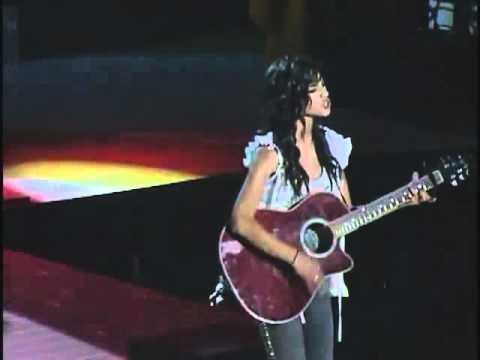 Seychelle Gabriel Singing Live