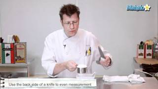 How To Properly Measure Flour