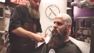 Golenie głowy brzytwą - Uppercut Deluxe x Adam Szulc