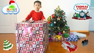 kids opening Christmas presents 2016! Giant Surprise Toys Thomas And Friends Wall Climber Cars
