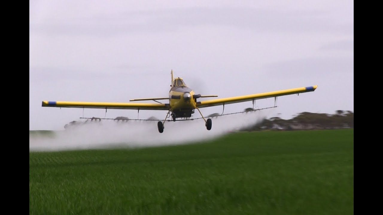 air tractor 802 602 awesome vid spraying crop dusting youtube rh youtube com Air Tractor AT-802U Air Tractor Logo