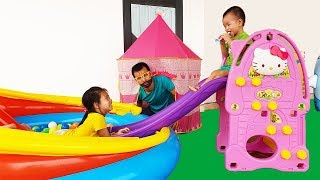Van and Nam Prevent Papa Working and Play with New Hello Kitty Slide, BaBiBum