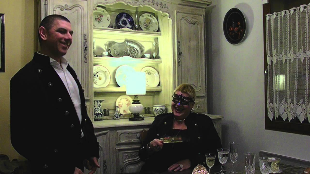 madame et monsieur ont une fa on bien fun de pr senter. Black Bedroom Furniture Sets. Home Design Ideas