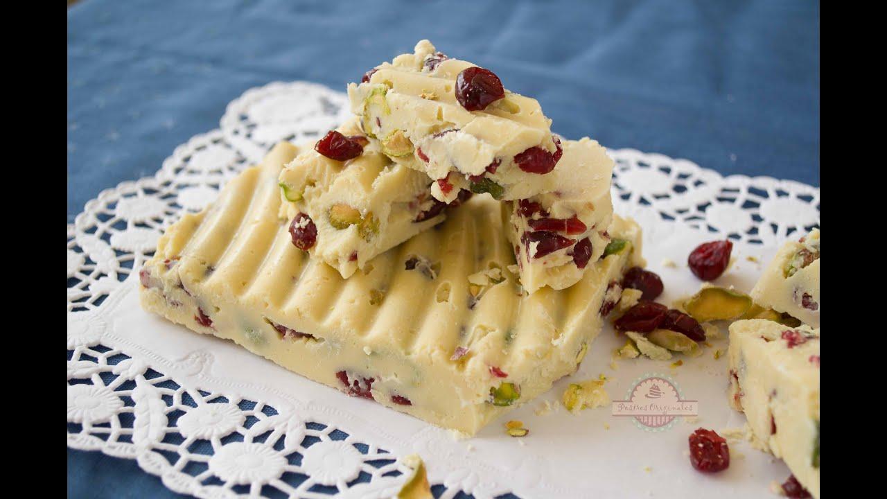 Turr n de chocolate blanco con pistachos y ar ndanos for Postres para navidad originales