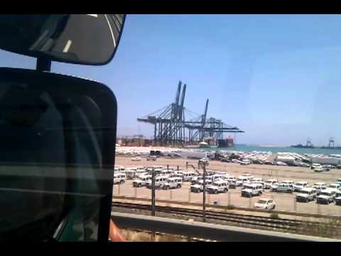 entrando en el puerto de valencia
