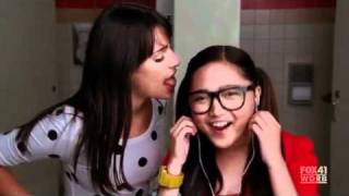 The Full Bathroom Scene Feat Charice and Lea Michelle (GLEE) [HQ]