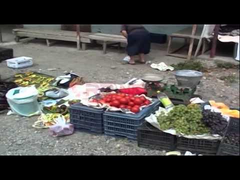 Bulqizë, tregu i njësuar me vendin e plehrave - RTV Ora News- Lajmi i fundit-