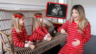 TELLING TAYTUM AND OAKLEY MOMMY IS PREGNANT!