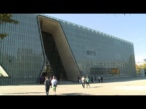 New museum brings Poland