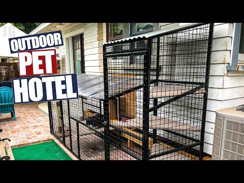 Outdoor Pet Hotel | JIMBO'S GARAGE