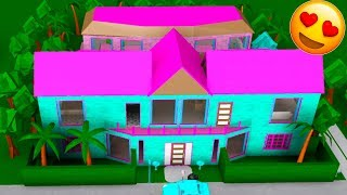My BOYFRIEND Built Me A MANSION In Bloxburg! (Roblox) W/Jelly