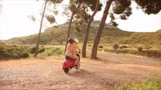 Tendance Provence : Une balade en Provence au guidon d'une Vespa - Partie 1/2