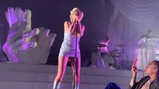 """""""Beach 2k20/Ever Again"""" Robyn Live Hollywood 02.23.19"""