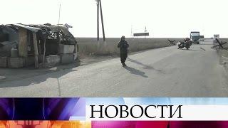 Сотрудники Нацгвардии перекрыли проезд для грузовиков наавтодорогах, ведущих вДонбасс.