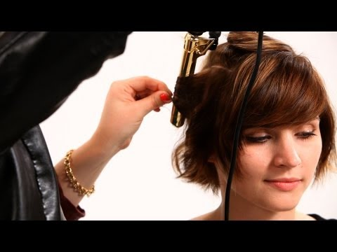 using-curling-iron-on-short-hair-pt.-2-|-short-hairstyles