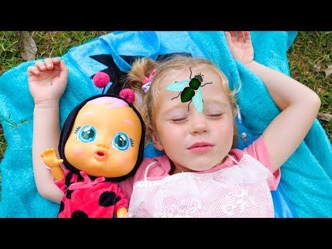 袧邪褋褌褟 懈 袣褍泻谢邪 袩褍锌褋懈泻 褏芯褌褟褌 褋锌邪褌褜! 袙懈写械芯 写谢褟 写械褌械泄 Nastya and baby doll want to sleep Video for kids