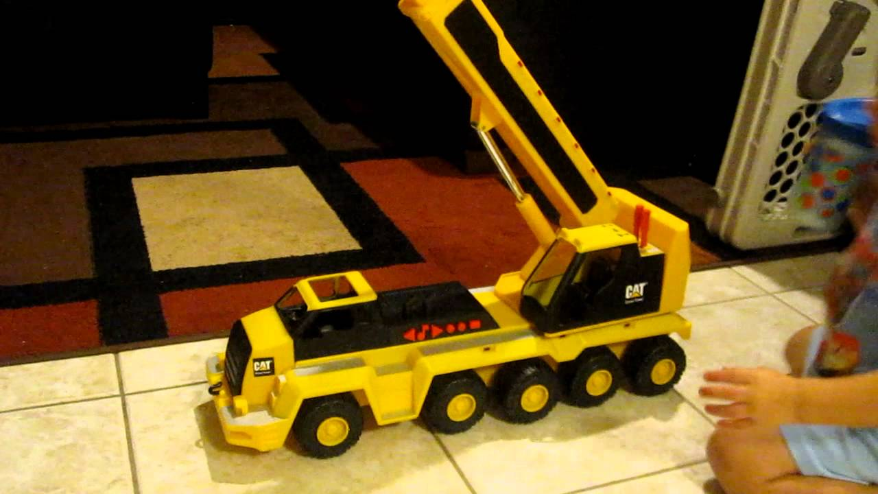 Cat  Wheel Crane Toy