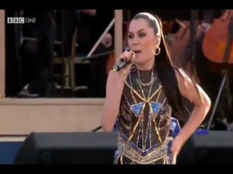 Jessie J ~ Domino (Diamond Jubilee Concert) ♚