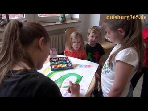 Ausstellung von 4-17jaehrigen Kindern und Jugendlichen in der Musik- und Kunstschule Duisburg