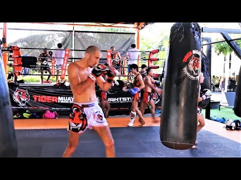 Vlog 17 – TRAINING AT TIGER MUAY THAI !!! Phuket