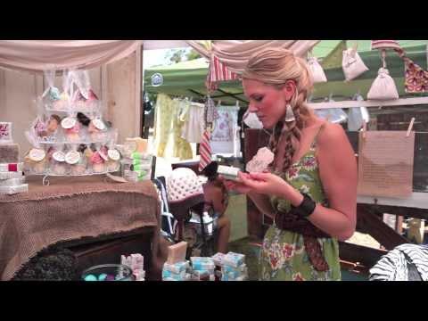 Uniquely Rogue: Vintage Fair at Barnstormer Farm