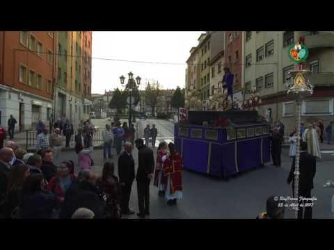 18.- Revira? Rafael Maria de Labra con Avenida Torrelavega  Domingo In Albis 2017  Estudiantes de Ov