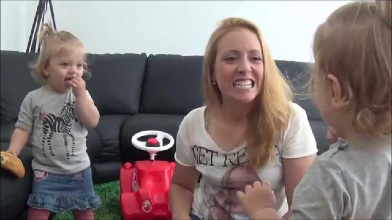 mein leben mit zwillingen alltags vlog 8 wir lernen sprechen youtube. Black Bedroom Furniture Sets. Home Design Ideas