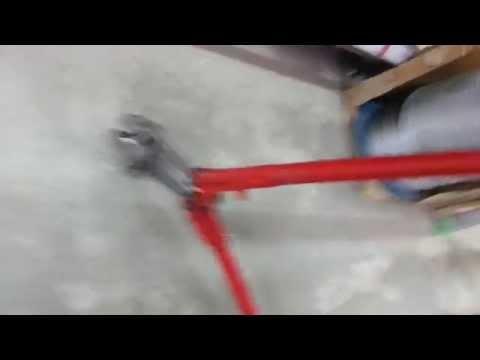 Велозамок из калёной цепи и навесного замка.