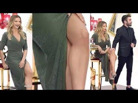 Популярные видео– Ивана Серт и Wardrobe malfunction