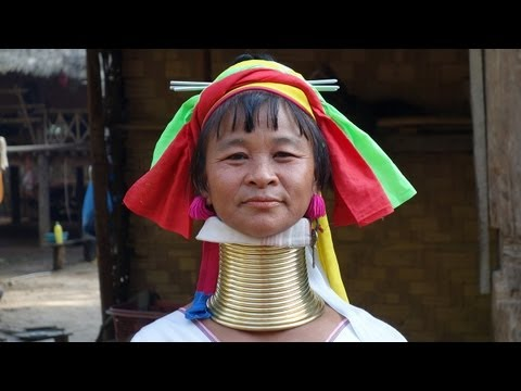 "The Kayan Lahwi ""long-neck"" women of Kayan Tayar"