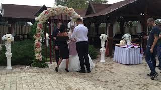 Встреча гостей на свадьбе в ресторане Петр 1.Евгений молодоженов.